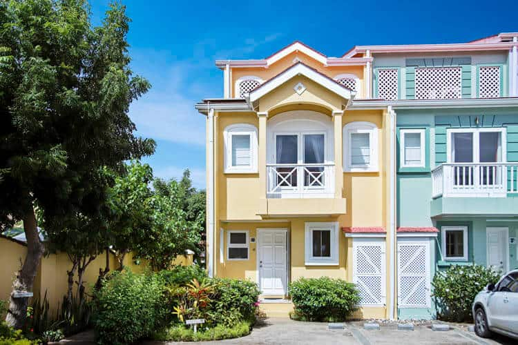 No 6 The Harbour Rodney Bay – on long term rent