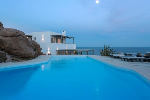 Paradise Estate: Villa Carina 1
